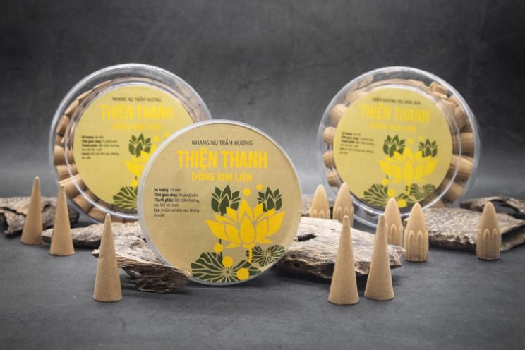 Thiên nhiên ban tặng cho con người loại trầm hương tinh tế, và chúng ta cũng không quên dùng nó cho mục đích cao cả nhất cuộc đời: thờ phụng tổ tiên